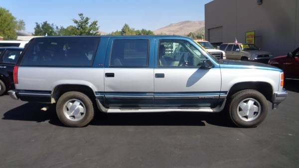 1994 GMC Suburban, $300 BEST OFFER