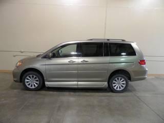 08 Honda Odyssey Certified wheelchair van--Top-level Touring model