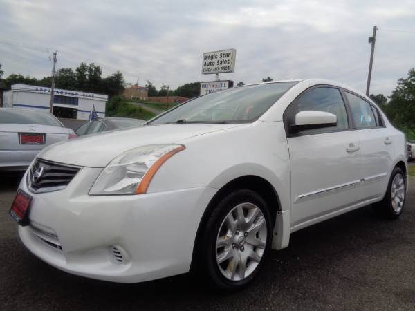 2010 Nissan Sentra White Low Mileage Very Nice And Gas Saver Car