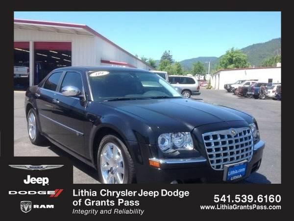 2009 Chrysler 300-Series HEMI (You Save $417 Below KBB Retail)