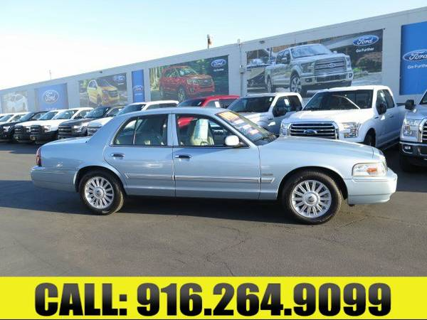 ➲ 2011 Mercury Grand Marquis - LEATHER SEATS AND IMMACULATE