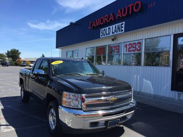 **YOUR LOCAL PRE-OWNED CAR DEALERSHIP**2012 CHEVY SILVERADO LT