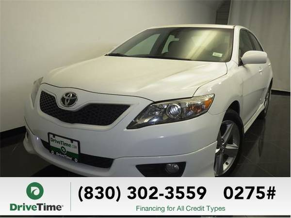 Beautiful 2011 *Toyota Camry* LE (WHITE) - Clean Title