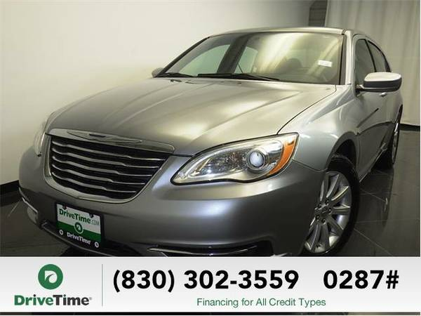 Beautiful 2013 *Chrysler 200* Touring (GRAY) - Clean Title