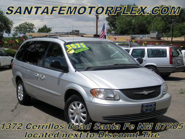 2002 Chrysler Town & Country Minivan, Power Doors, Clean Carfax!!!!!!!