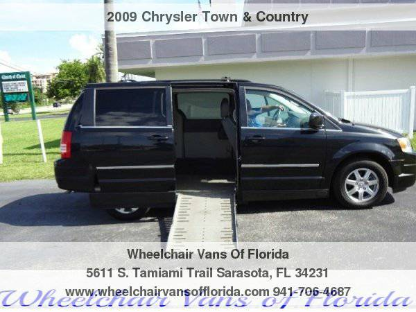 2009 Chrysler Town & Country Touring Wheelchair Van Handicap Van