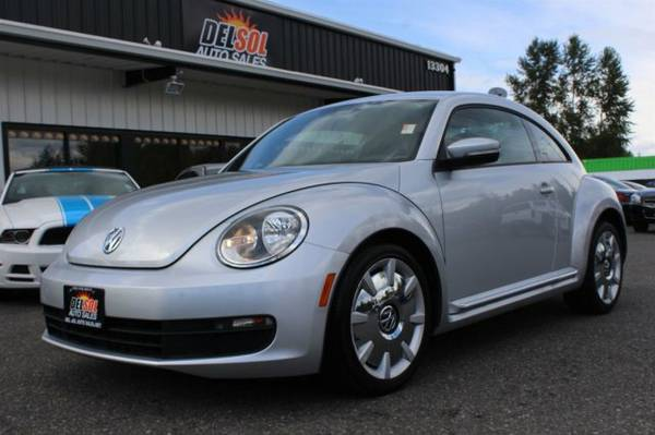 2012 Volkswagen Beetle w Sound Nav 1 Owner Super clean Low Miles