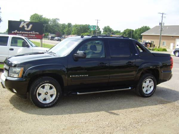 * 2009 CHEVY AVALANCHE Z71 - LEATHER - SUNROOF *