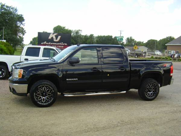 * 2011 GMC SIERRA 1500 CREWCAB Z71 - LEATHER - WHEELS - 146K MILES *