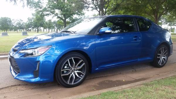 2015 SCION TC AUTOMATIC ONLY 5K MILES KEYLESS ENTRY MOONROOFS!!!!!!!!!