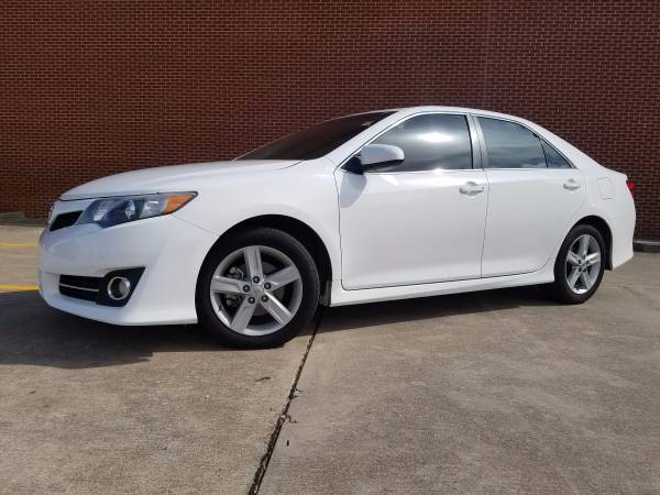 2012 TOYOTA CAMRY SE!!! LEATHER LOADED!!! SUNROOF!! MAXED OUT!!!