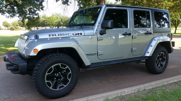 2015 JEEP WRANGLER UNLIMITED RUBICON 6SPD MANUAL 4WD TRAIL RATED!!!!!!