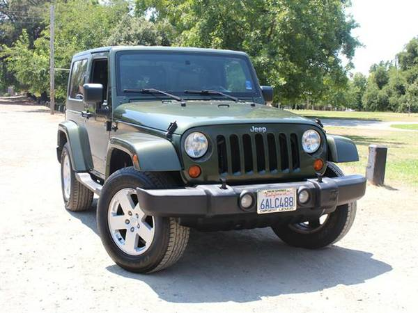 2007 JEEP WRANGLER SAHARA *** EASY FINANCING *** YOUR JOB IS YOUR CRED