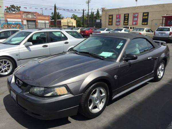 2004 *Ford* *Mustang* Deluxe 2dr Convertible - - CALL / TEXT...