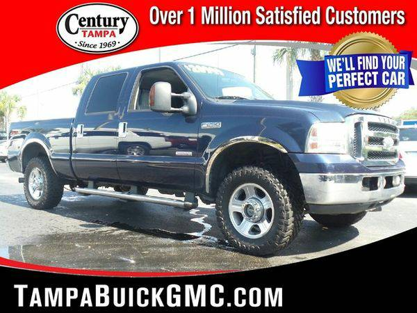 2006 *FORD* *F-250* SD LARIAT 4X4 Call or Text! Financing Available!