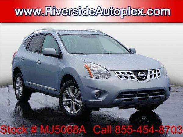 2013 *Nissan* *Rogue* SV - Call or Text! Financing Available