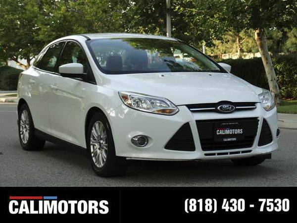 2012 *Ford* *Focus* SE Sedan 4D WE FINANCE + BEST QAUILITY, LIMITED...