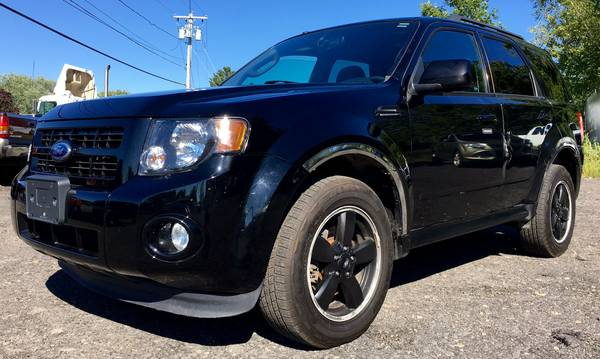 2012 FORD ESCAPE XLT 4X4- ONE OWNER!!! SUNROOF!!!