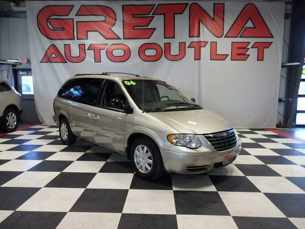 2006 Chrysler Town & Country TOURING STOW AND GO SEATS 92K POWER ALL