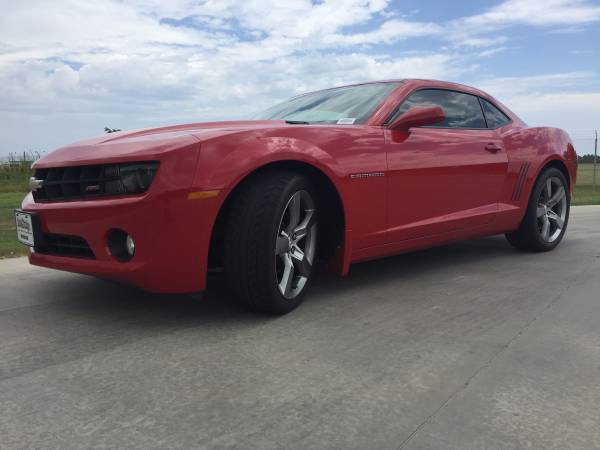 **2012 CHEVROLET CAMARO 2LT!! LEATHER LOADED! SUNROOF! RS PACKAGE!!**