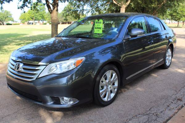 2011 TOYOTA AVALON LIMITED ONE OWNER! GOOD SERVICE RECORD!