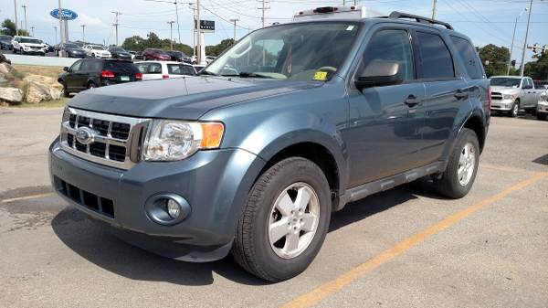 2012 FORD ESCAPE XLT SUV! GREAT MPG! SUNROOF! HARD LOADED!