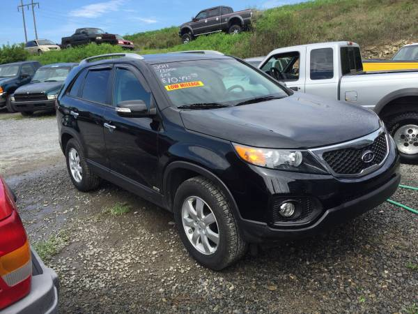 NEW ARRIVAL 2011 KIA SORENTO EX AWD ONLY 73,000 MILES TRADES WELCOME