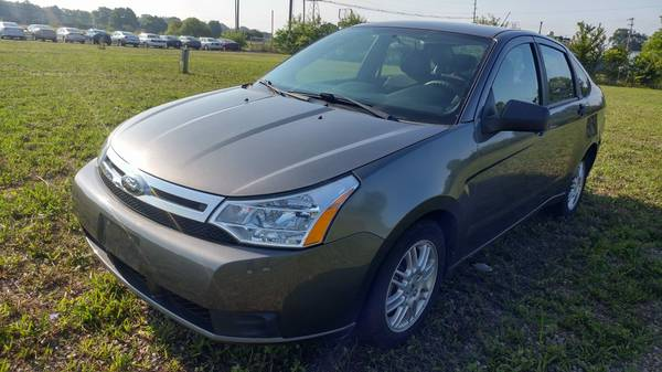 *** 2010 FORD FOCUS SE *** SIGN AND DRIVE AUTO SALES