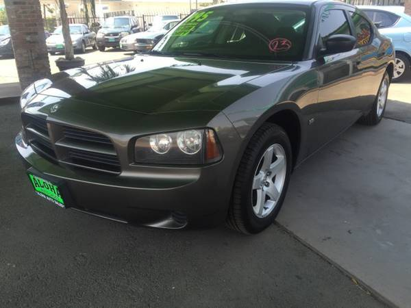 2008 Dodge Charger SE; Alloys, All Power. Clean.