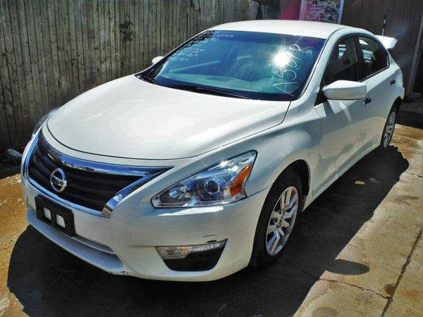 2015 *NISSAN* *ALTIMA* FWD - Trade-Ins Welcome!