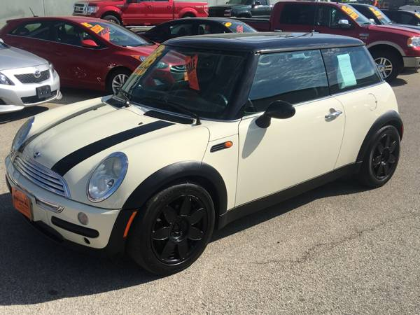 WOW YOU SEE THAT LOW PRICE ? 2004 MINI COOPER, SUPER CLEAN, MANUAL