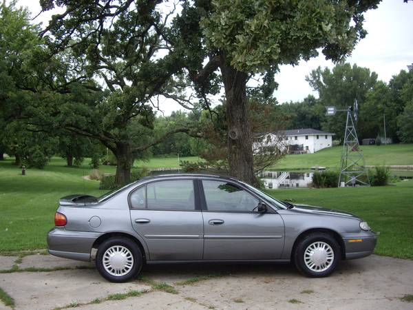 $3500--04 MALIBU LS--SUPERB 4 CYLINDER/LOCAL TRADE/WARRANTY INCLUDED!