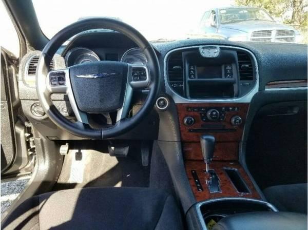 2012 Chrysler 300 300 Sedan 4D supershopperdeals.com
