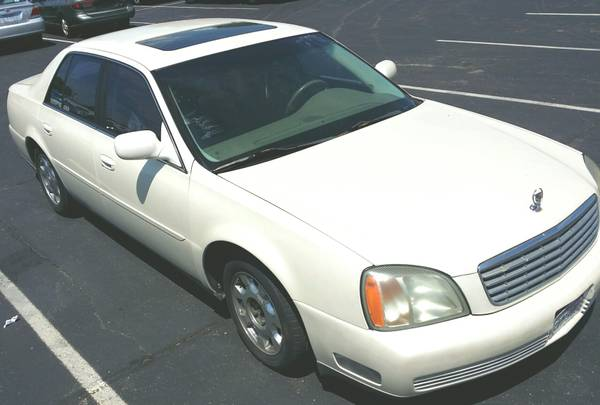 2002 CADILLAC 112 xxx low mile.ICE COLD AC LOW PRICE. Or best offer.