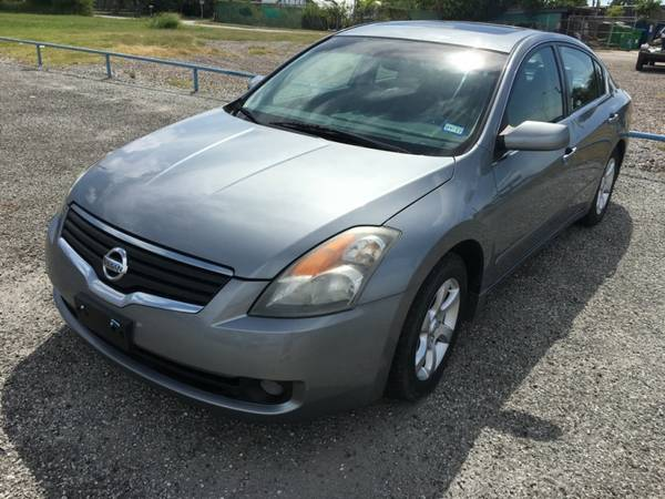 2008 Nissan Altima - Loaded!! Clean Car!! Cold A/C ------ Low Down!!