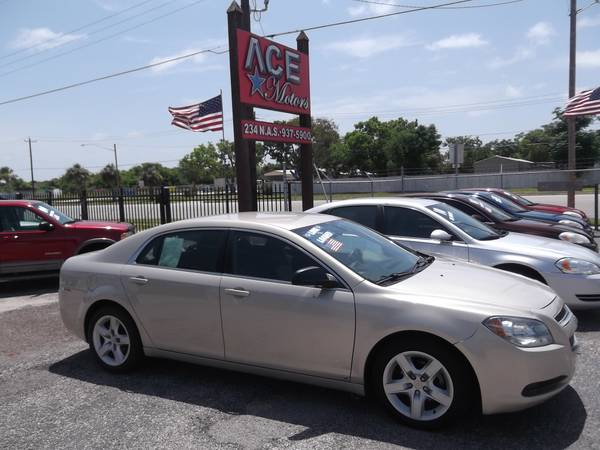 ** 2010 CHEVY MALIBU ** 4 CYLINDER ** LOW MILEAGE ** COLD AIR ***