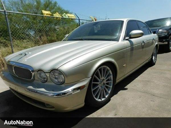 2006 Jaguar XJ XJ8 SKU:6SH01382 Jaguar XJ XJ8 Sedan