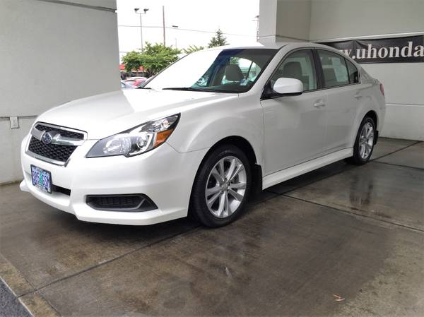 2014 Subaru Legacy 2.5i Premium 4dr---LOW MILES--FINANCING AVAILABLE--