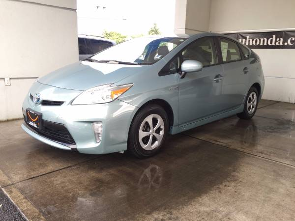 2013 Toyota Prius Two Hatchback------FINANCING AVAILABLE--------------