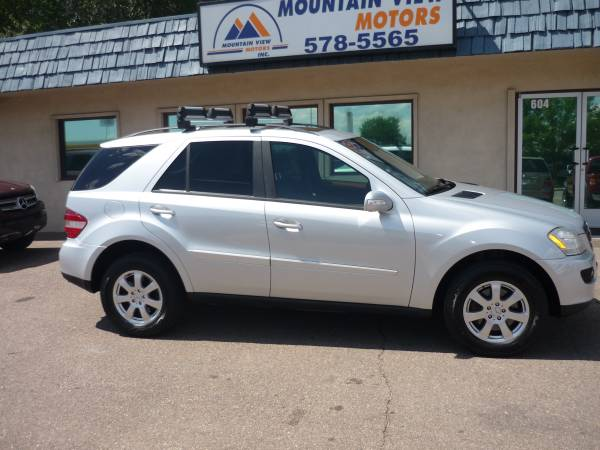 06 Mercedes Benz ML350 clean