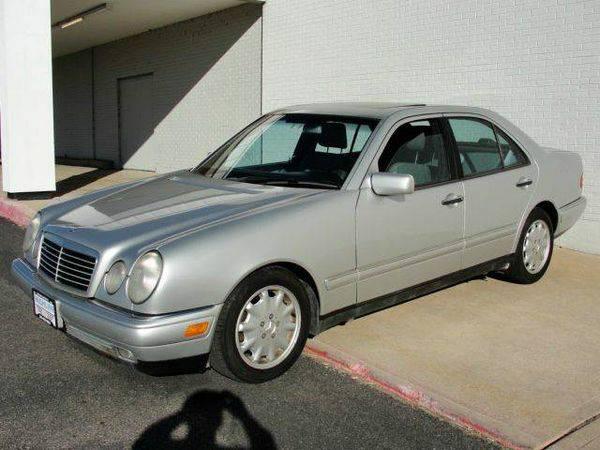 1998 *Mercedes-Benz* *E-Class* E300TD 4dr E300DT Turbodiesel Sedan --