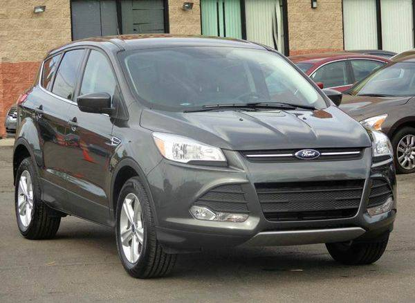 2015 *Ford* *Escape* SE 4dr SUV - EVERYONE IS APPROVED!!