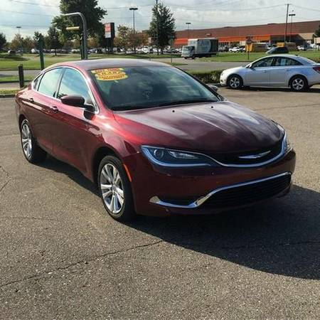 2015 *Chrysler* *200* Limited 4dr Sedan -EVERYBODY RIDES PROGRAM