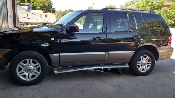 2004 MOUNTAINEER AWD 3RD ROW SEATING DVD COLD AIR