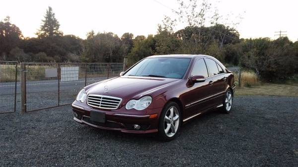 05 *Mercedes-Benz* *C-Class* *C230* Sport w/CARFAX -LOW MILES **A/C**