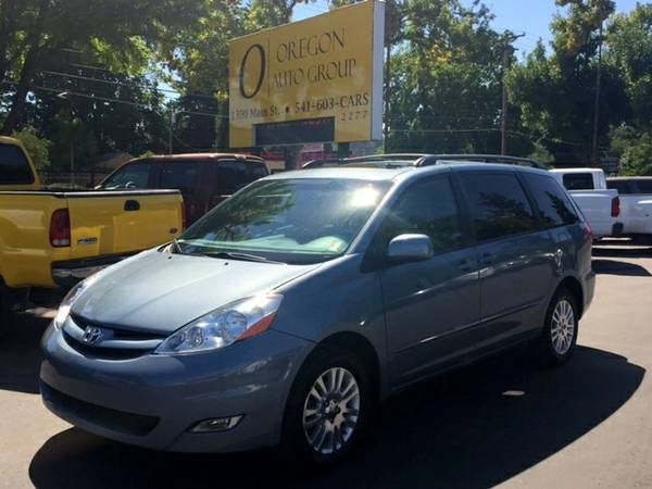2010 Toyota Sienna AWD XLE Limited - Lthr, BT, Roof, Nav, DVD, More!!!