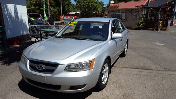 2006 Hyundai Sonata, NEW PRICE! Drives & runs great, 178 K miles