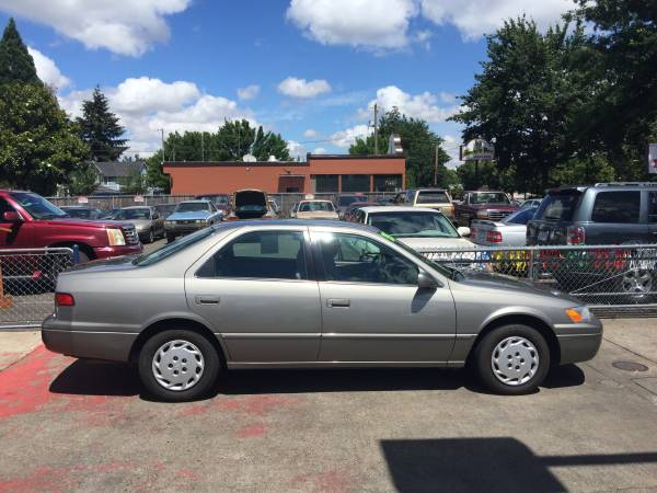 1997 Toyota Camry LE Automatic Clean