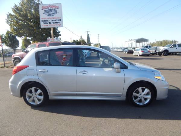 *2011 Nissan Versa SL Hatchback 4D* *NAVI, & SUNROON* *LOW MILEAGE*