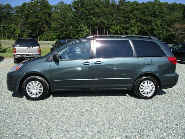 2005 Toyota Sienna LE, Green,Seats7, 3.3L V6, DVD, 150K, Loaded, NICE!